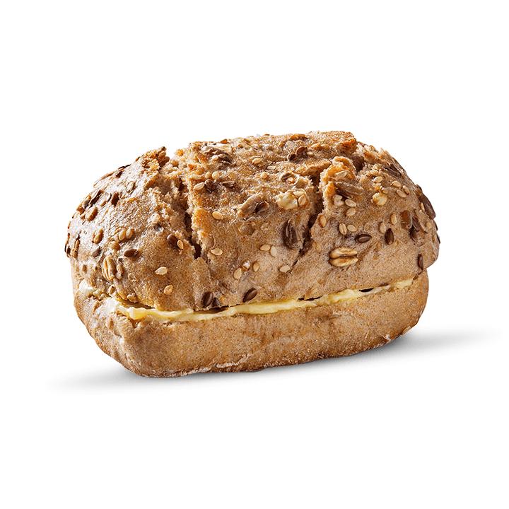 Pão de cereais com manteiga